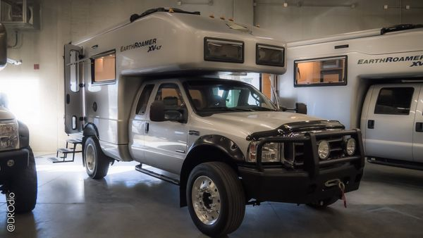 EarthRoamer Expedition Vehicles